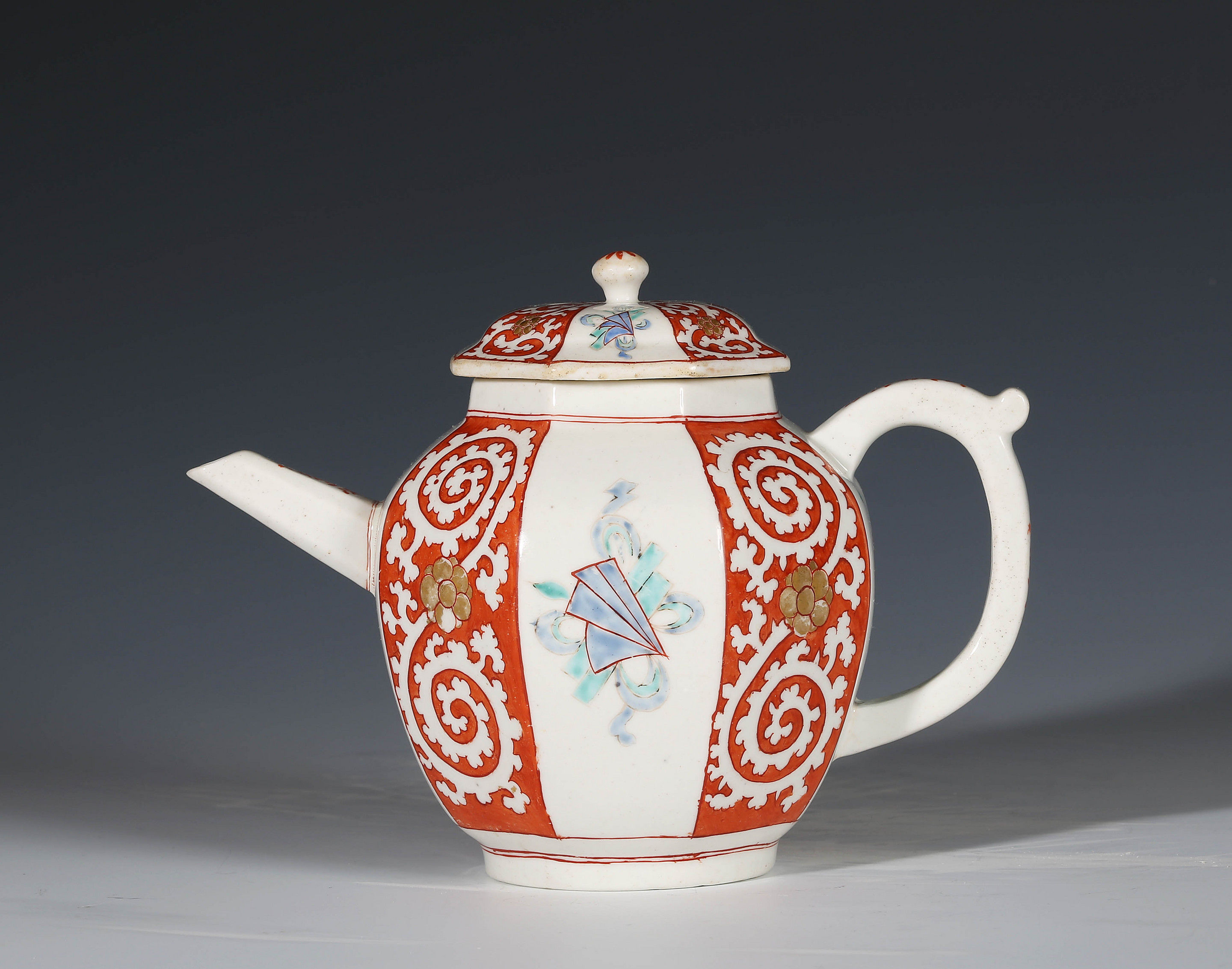 Chelsea Octagonal Kakiemon Teapot and Cover
