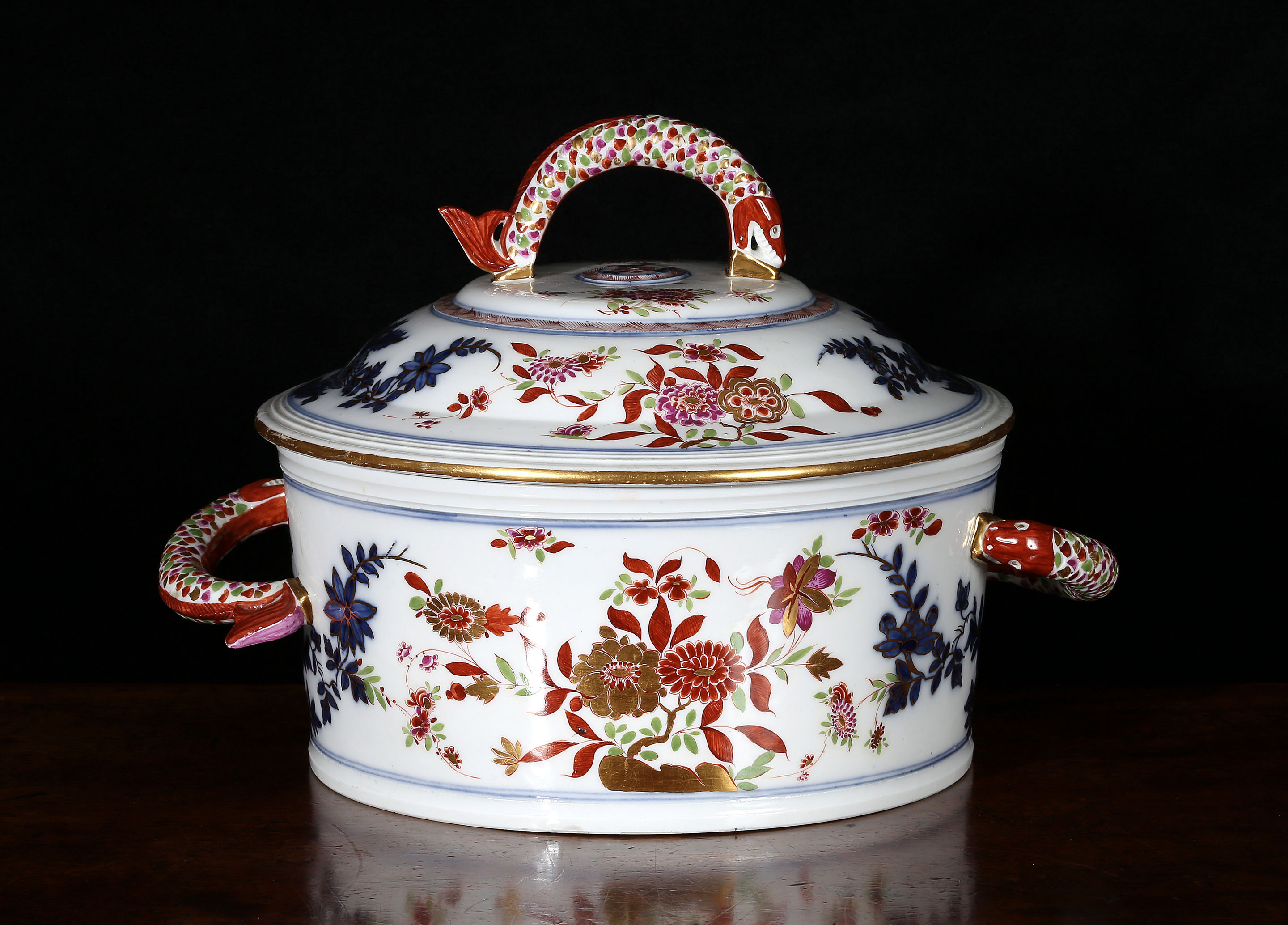 Meissen circular tureen and cover
