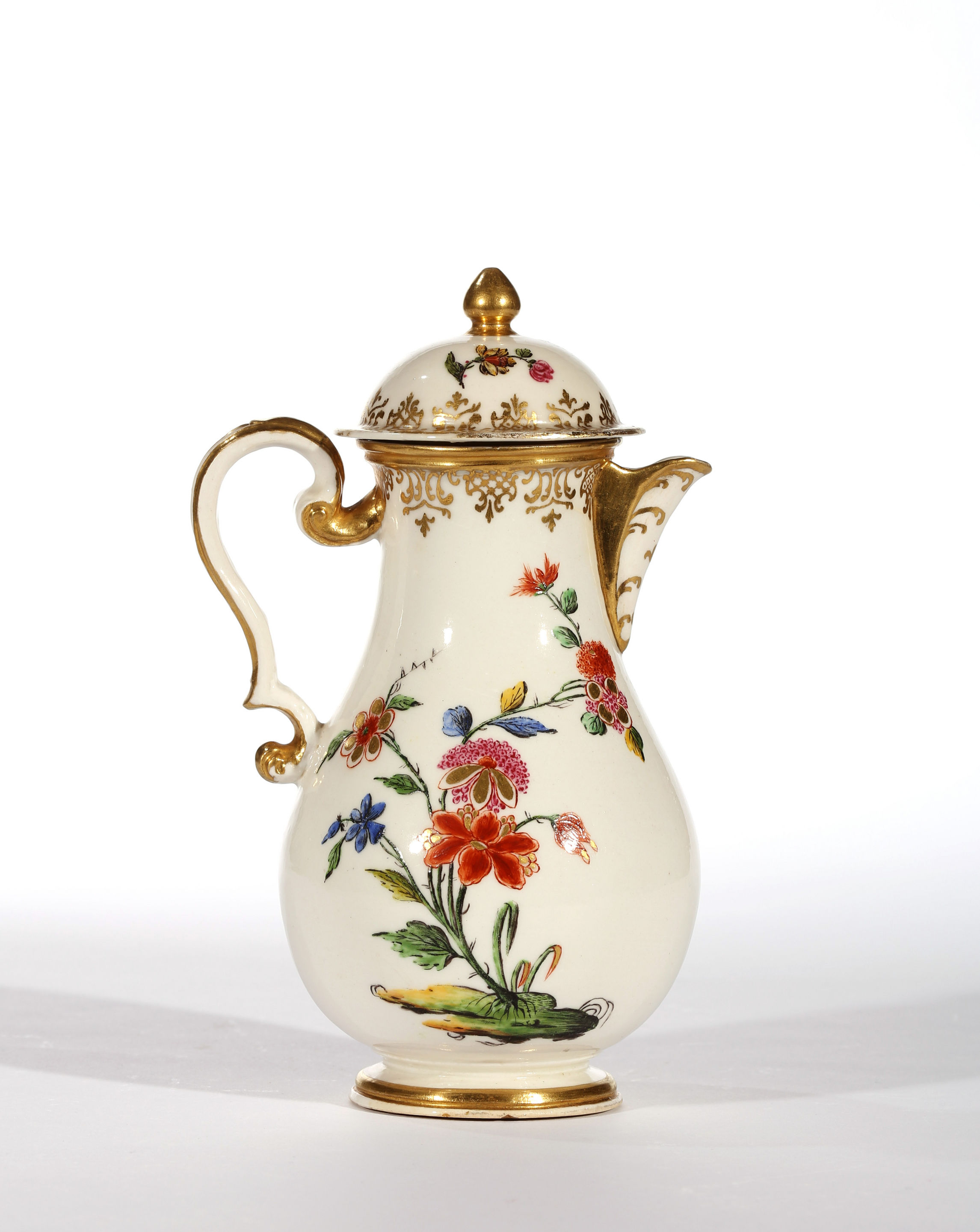 A CAPODIMONTE HOT WATER JUG AND COVER