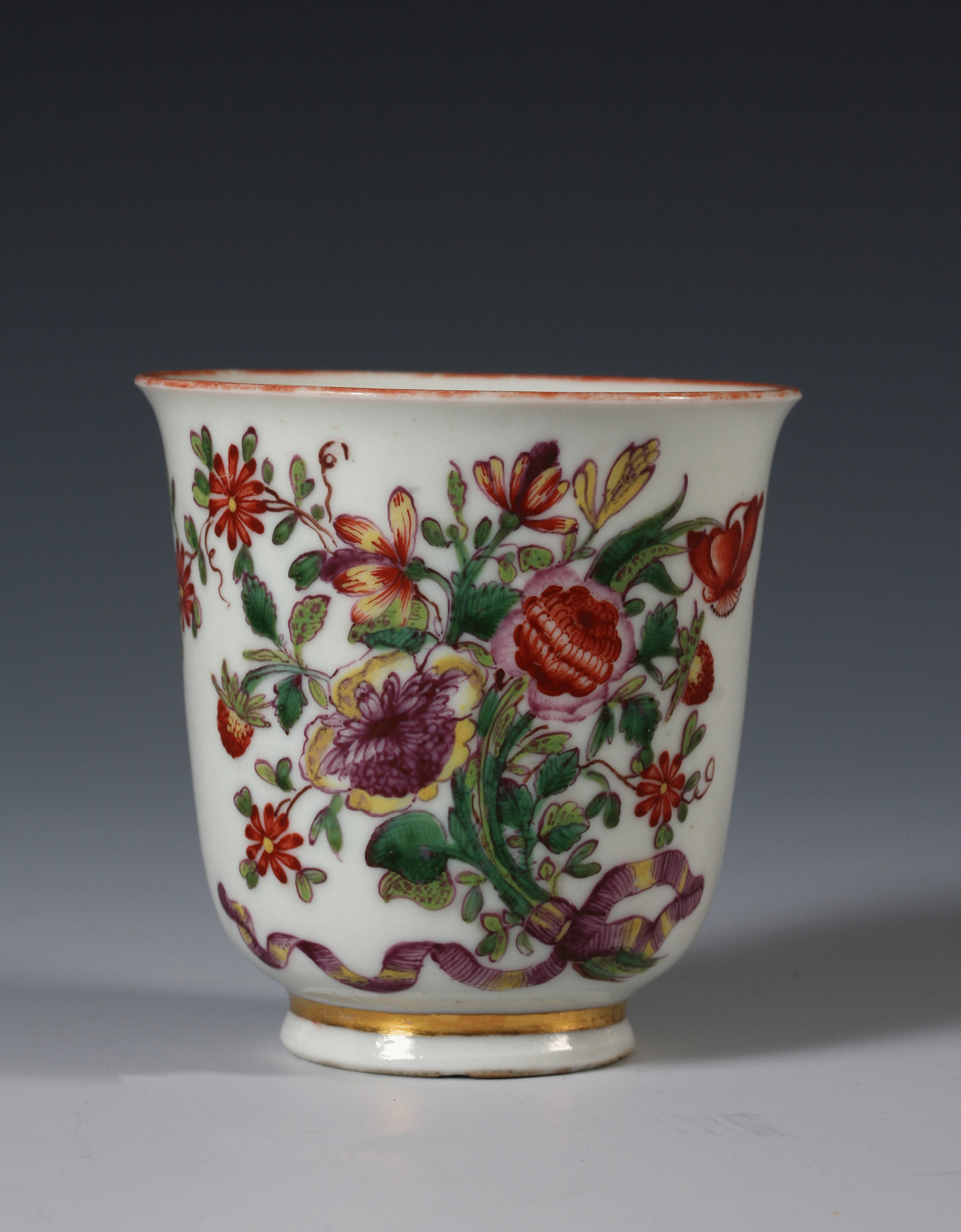 An early Doccia cup